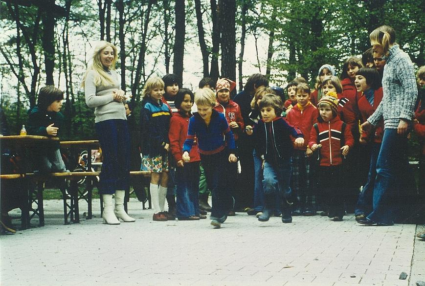 wa-1977-1-mai-waldfest-a200